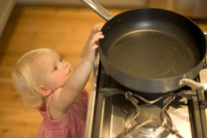 http://www.ruskid.ru/uploads/posts/2012-02/1328604948_child-safety-in-the-home.preview.jpg