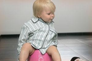 Приучаем ребенка пользоваться горшком