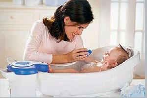 Как правильно купать ребенка
