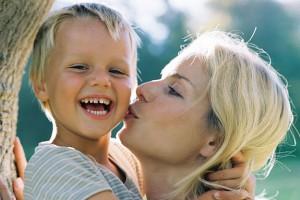 Хвалите ребенка чаще, чем ругаете