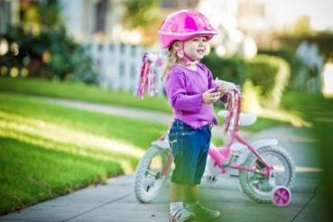 Учим ребенка кататься на велосипеде