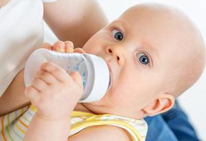 Напитки, вредные для малыша