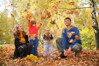 Осенние прогулки: идеи для поделок с малышом